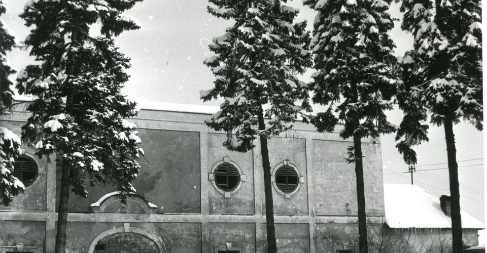 historický pohľad na hospodársku budovu
