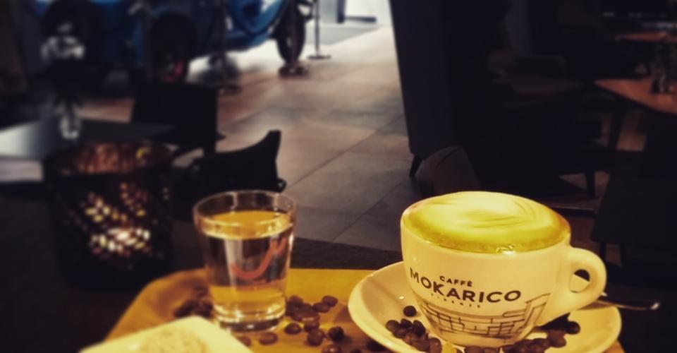 Káva na Lobby bare